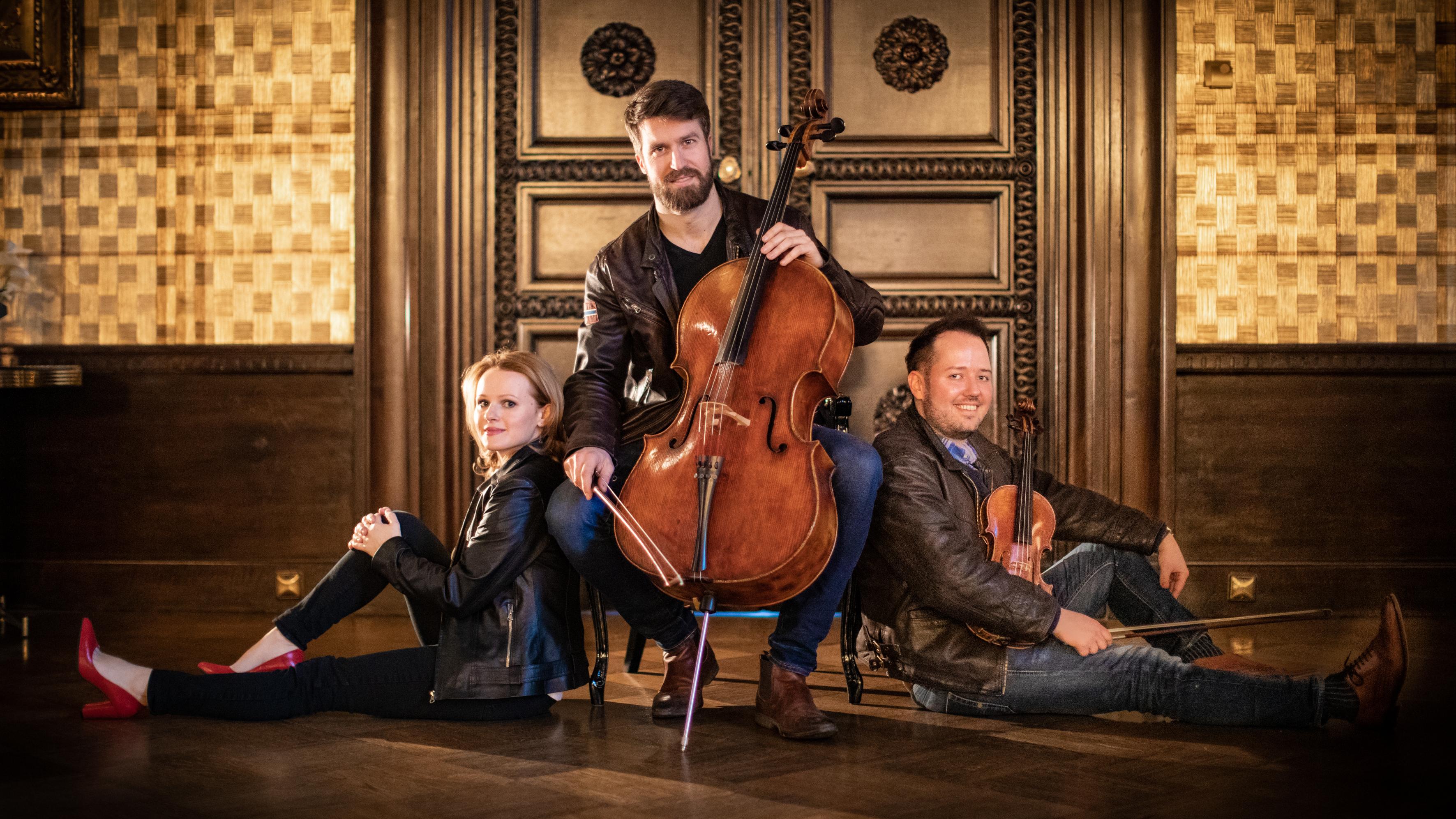 Trio XIX